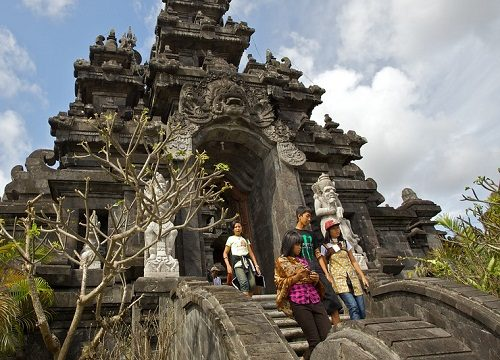 زمان هایی که نباید به بالی سفر کرد !